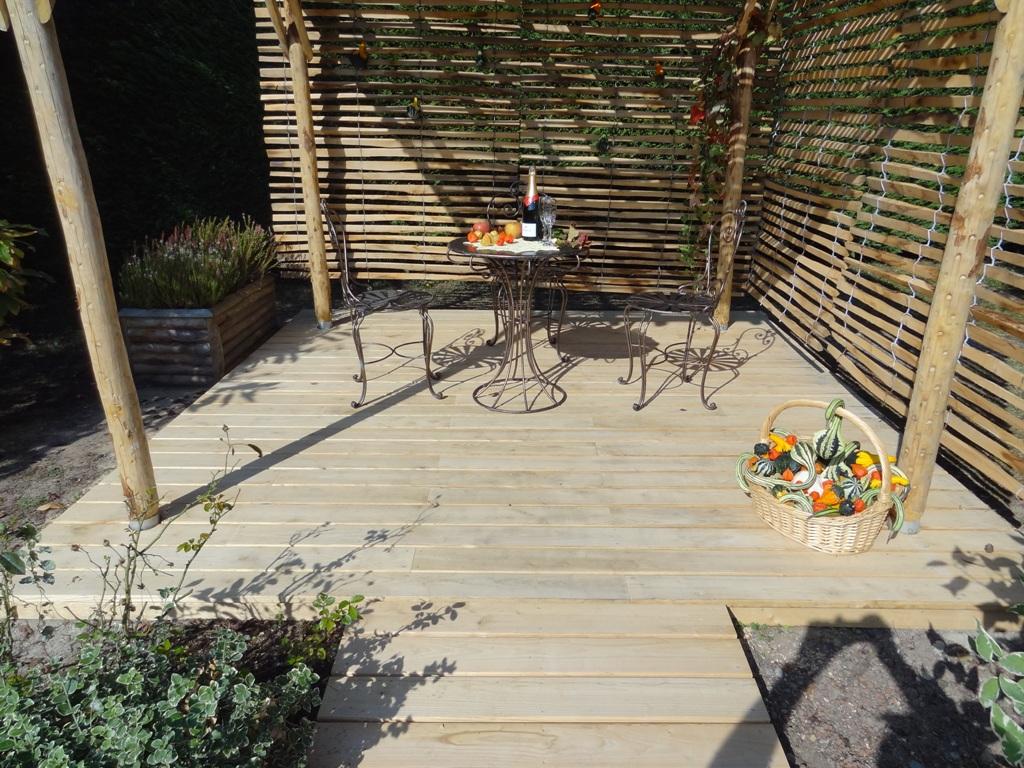 Terrassenboden aus französischem Kastanienholz